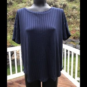 ⚡️Final Price⚡️NWOT Large Navy ribbed top